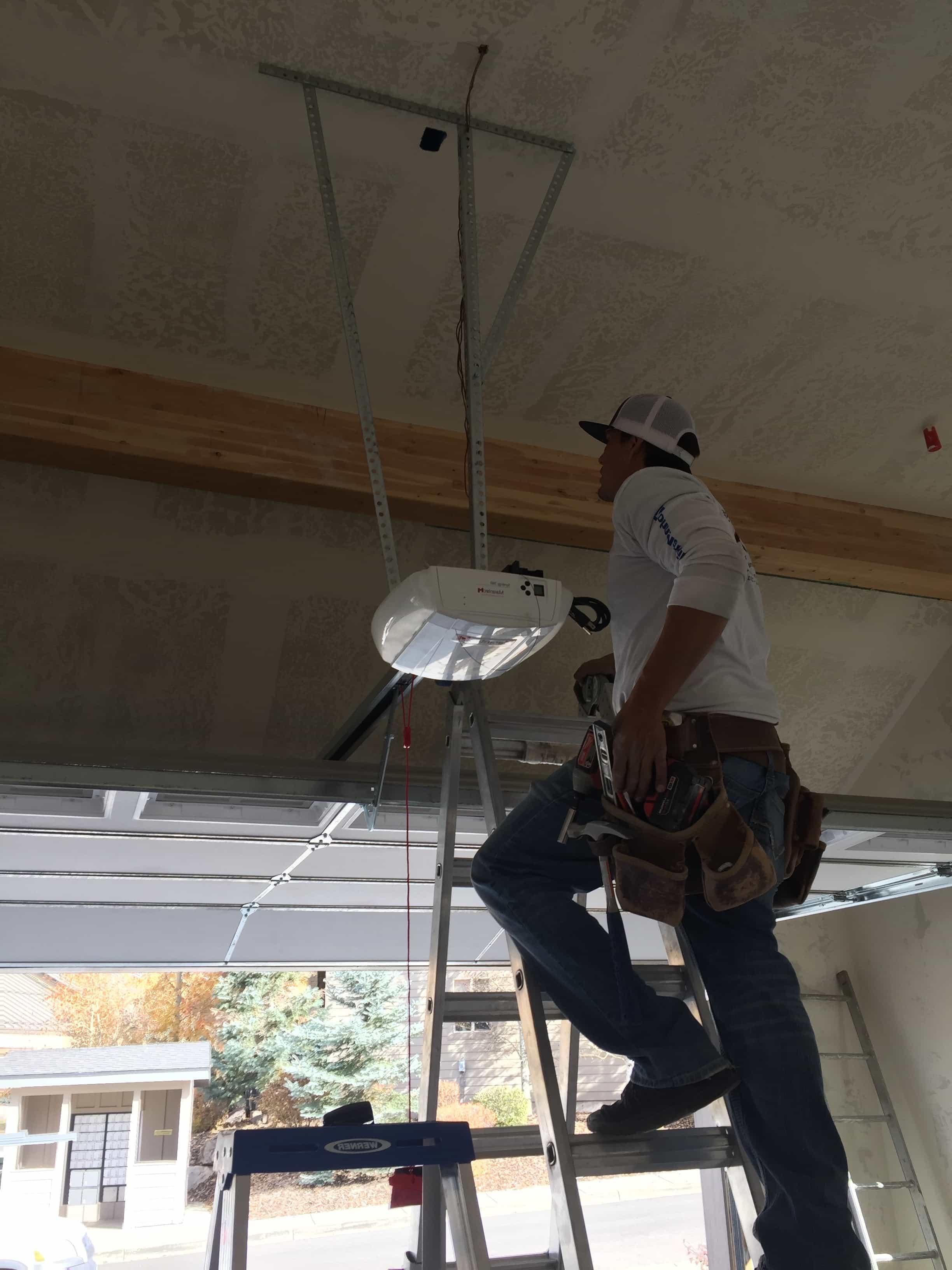 Garage Door Repair ⎟ Orem